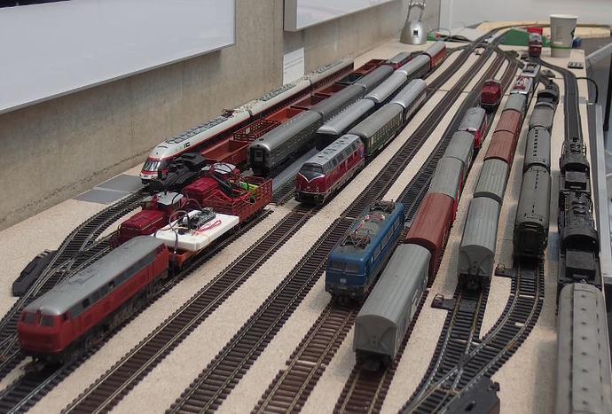 "Vortrag: ""Free Your Model Train"" @ Das Garage-Lab im Super 7000 | Plano | Texas | USA"
